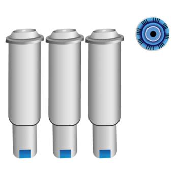 Drei schmale, rundliche Wasserfilter nebeneinander. Daneben ist das Filtersystem aufgezeigt - als Öffnung an der Filterunterseite.